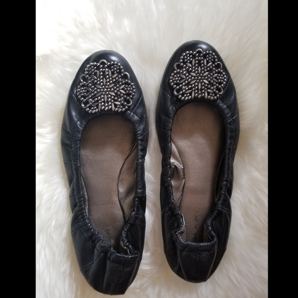 tahari flats Shop Clothing \u0026 Shoes Online